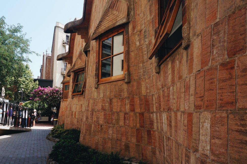 Sagrada Familia Schoolhouse