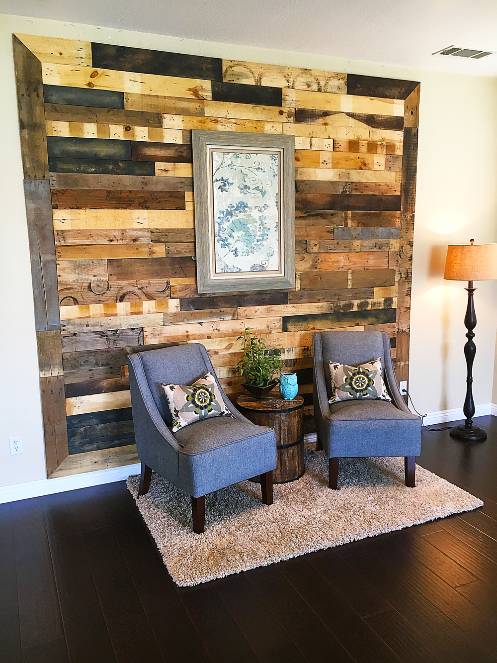 at the pallet wall we appreciate the unique beauty and character found in reclaimed wood - Pallet Wall