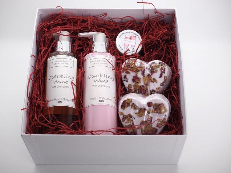 Sparkling Wine Pamper Gift Set.jpg