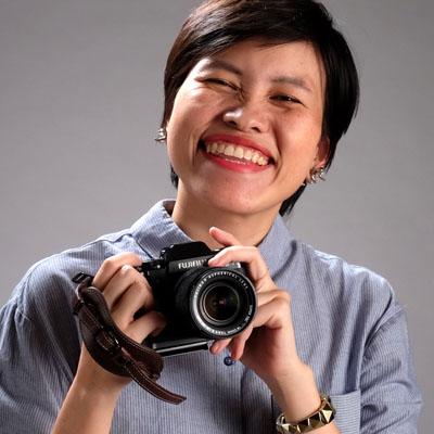 author photo - Daisy - Fistfuls of Life