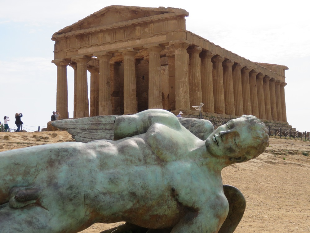 Agrigento. After visiting so many ruins, everyone needs to take a rest.