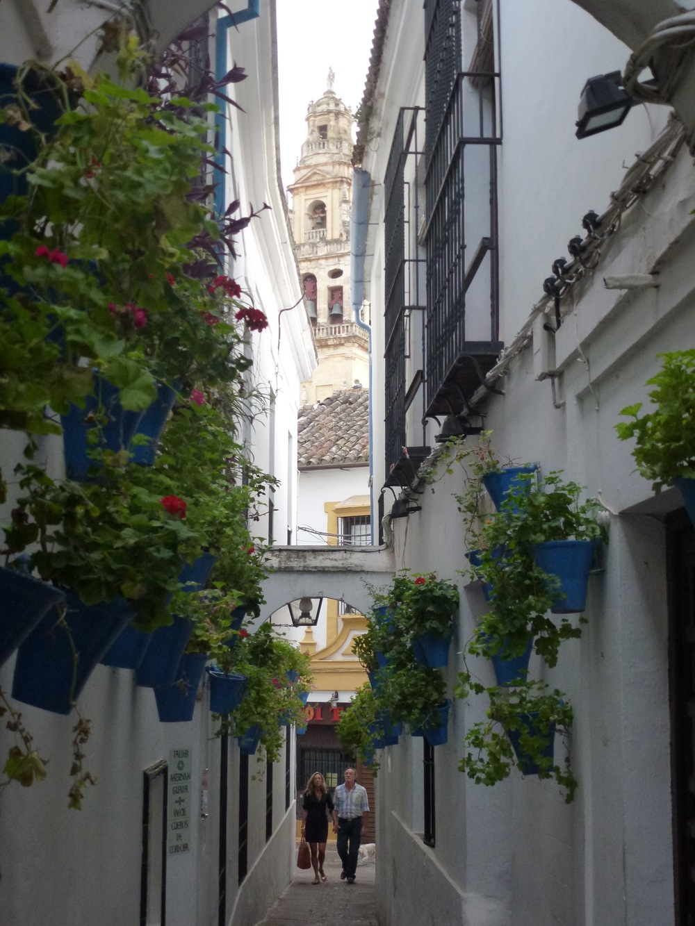 Walking through the Jewish Quarter of Cordoba