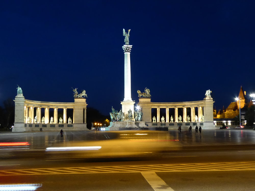 Heros Square at night.