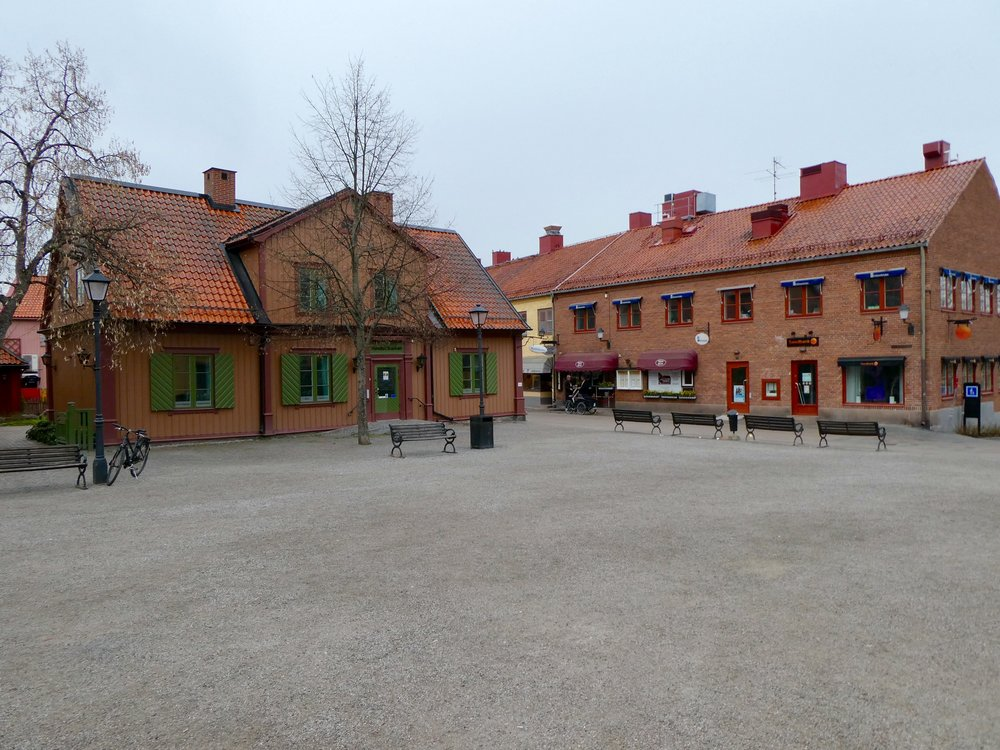 The central square in Sigtuna. Even in the cold rain, this was a wonderful excursion.
