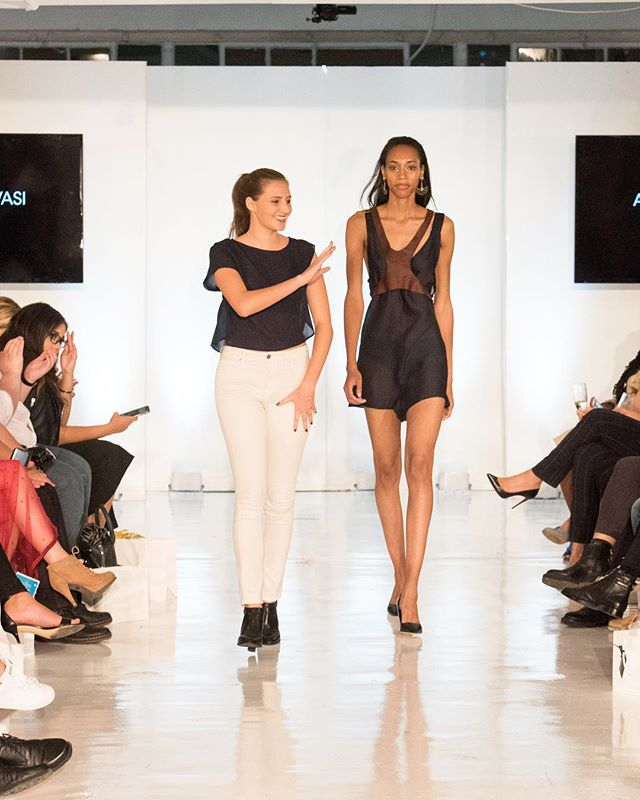 So proud of my first NYFW last Friday! Couldn't be happier! Thank you to everyone who helped make it happen. . . . . . #nyfw #oxfordfashionstudio #newyork #fashion #fashionweek #oxfordfashionstudio #OFS #leather #silk #caravan #alevasi #runway #studio450 #nyc #penthouse