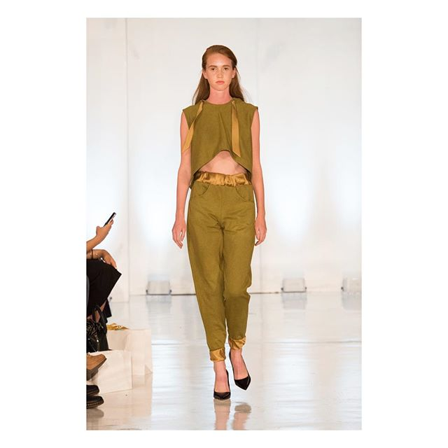 She's a beauty! The Fatima jogger . . . . . @presleyannphoto  @oxfordfashionstudio  #oxfordfashionstudio #studio450 #nyc #fashionweek #fashionweek2017 #runway #fashion #jogger #silk #dye #cotton #comfort #caravan #newyork #nyfw