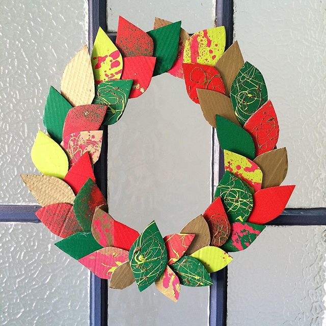 I'm still trying to decide what to make this years wreath out of. Last year was plastic bottles and the year before splattered cardboard. I have a load of broken decorations that could work or maybe bottle tops? Fabric offcuts? . Have you made one this year? What did you use?