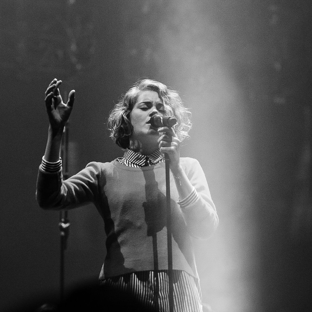 TAYA SMITH /   HILLSONG UNITED