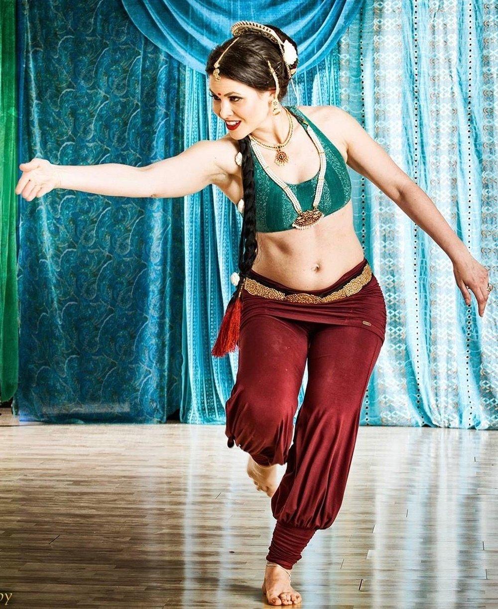 Kalidasi performing bala tripura sundari