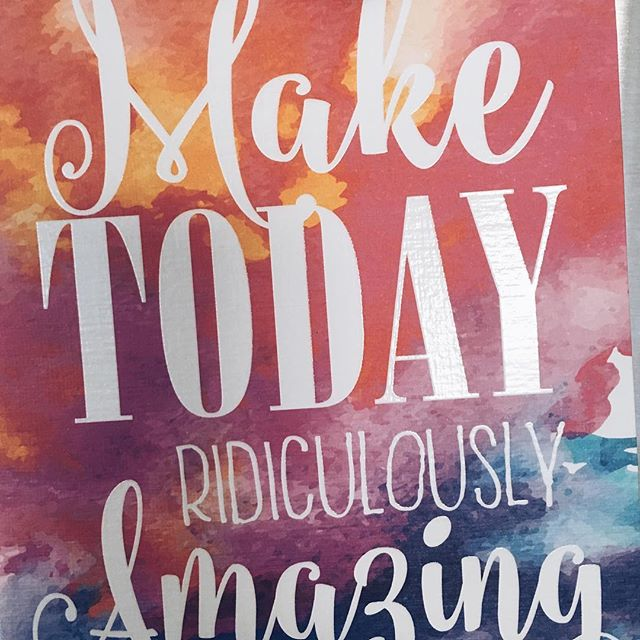 Sometimes all you need is a little reminder on your fridge! @loudukey you know me too well 💕 #smile #everydaycounts #blessed #letsdothismonday