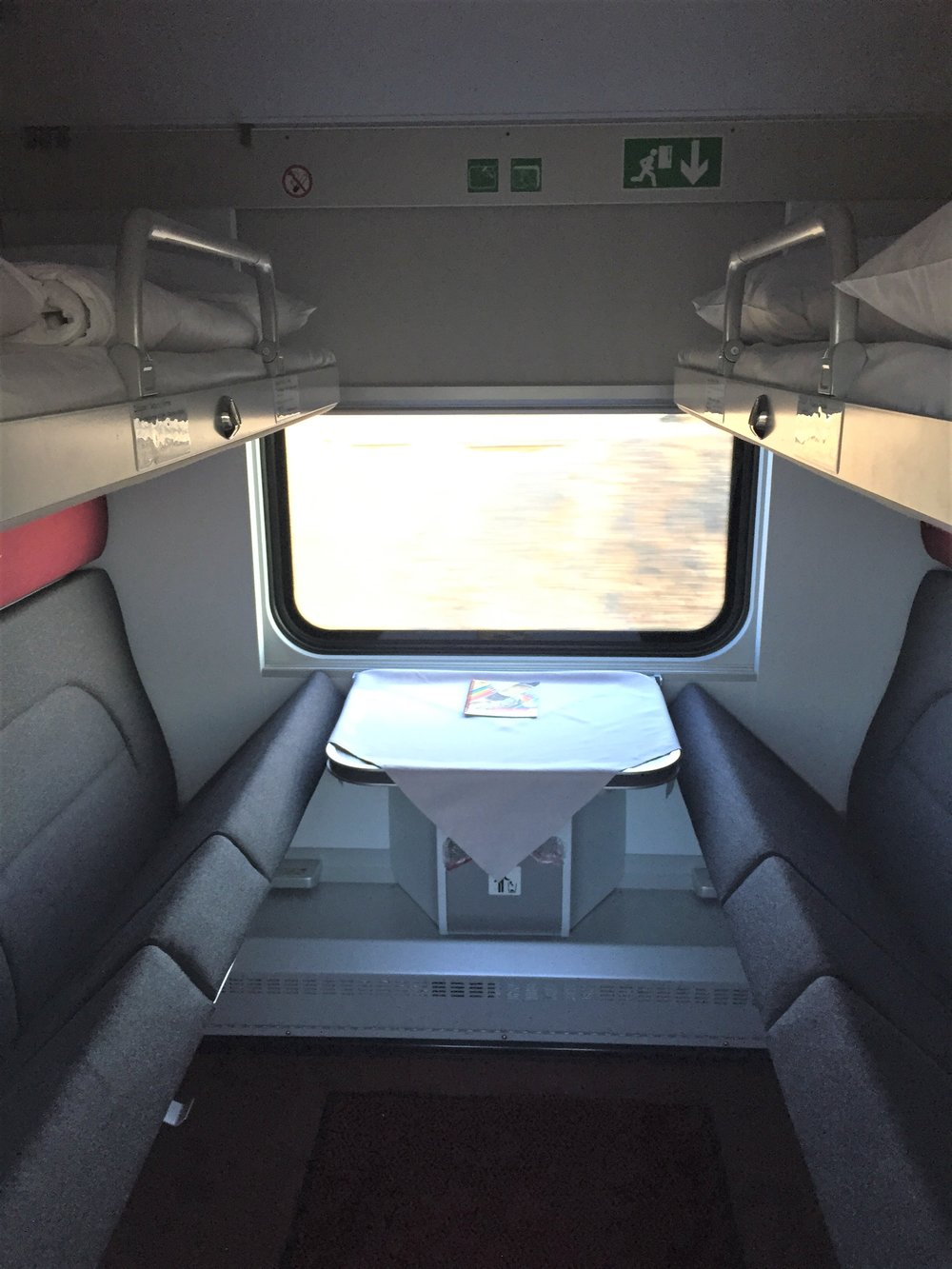 traincompartment