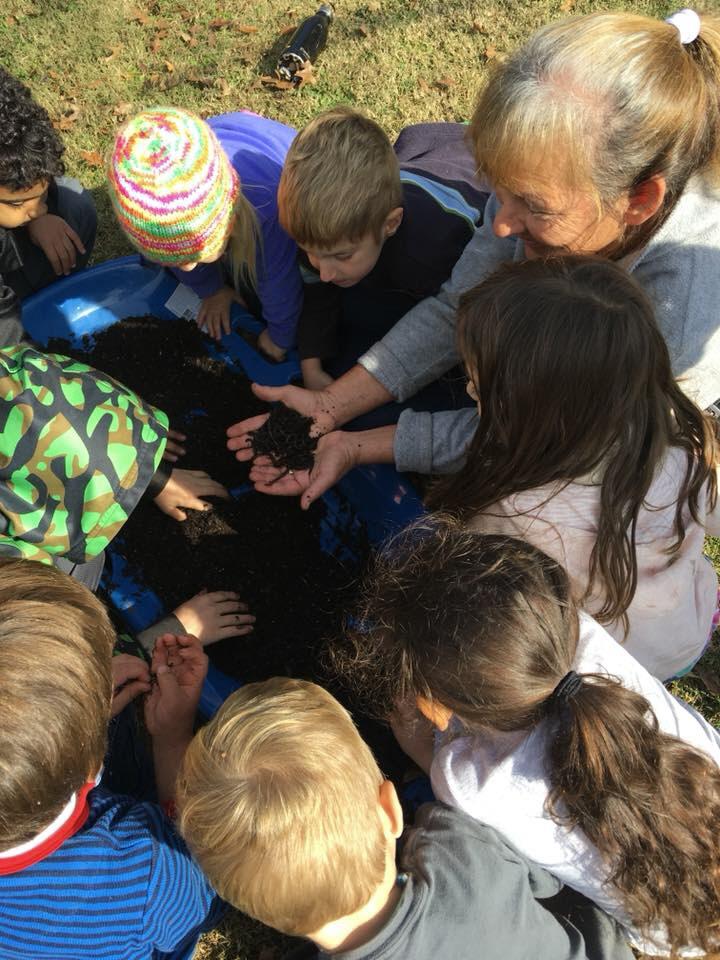 Miss Sonya brings earthworms to    visit by Lindsey email.jpg