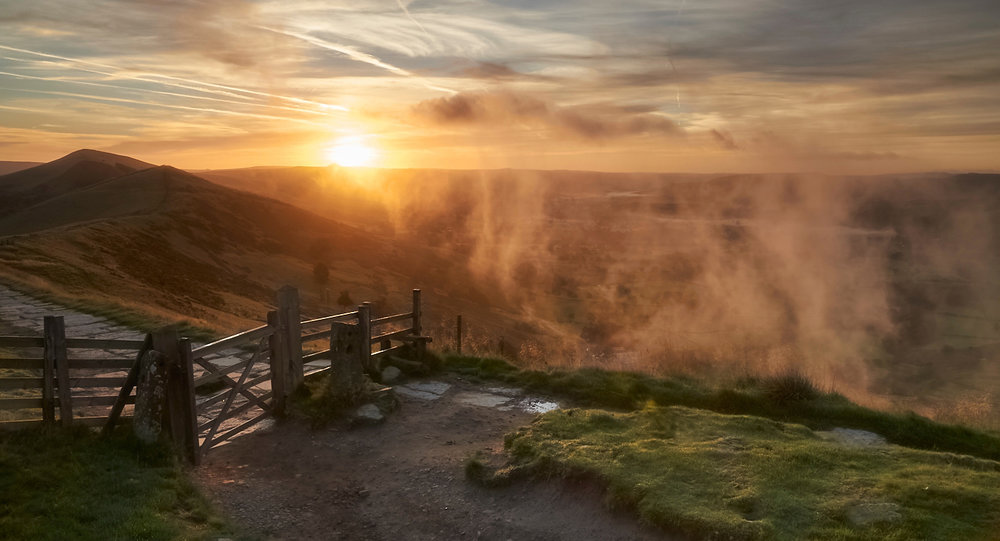 SUNRISE OVER WIN HILL by David Willey .jpg