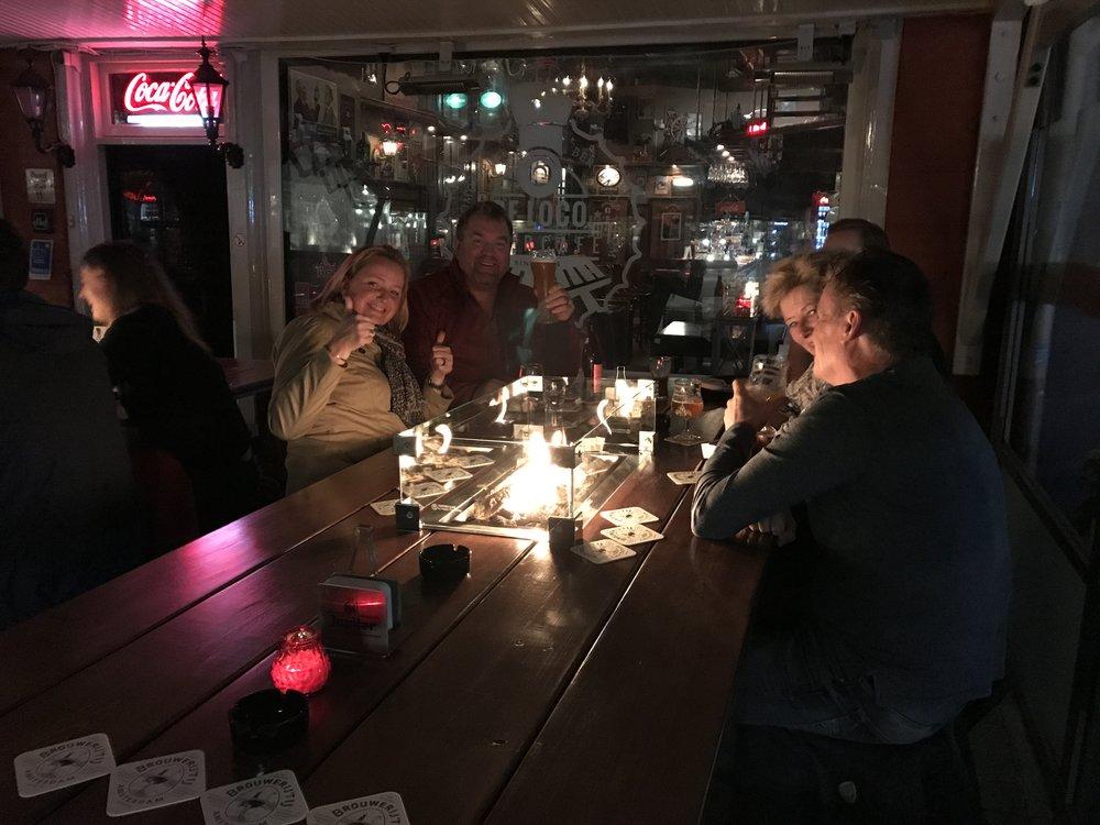 Nieuwe terrastafels vanaf maart 2017, handgemaakte eikenhouten tafels!