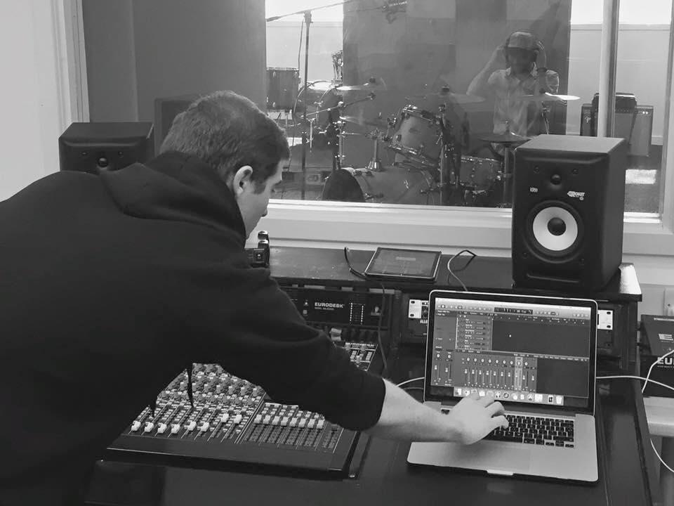 NEED MUSIC STUDIO IMAGE 2