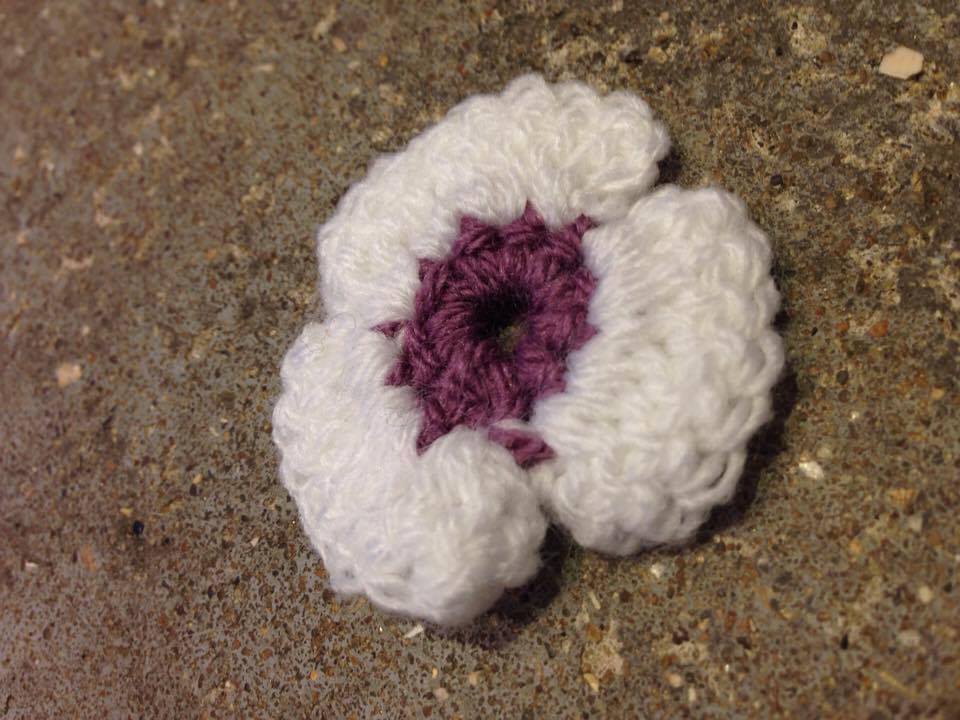 white and purple single poppy.jpg