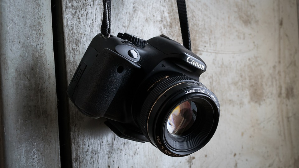 camera-991619_960_720.jpg