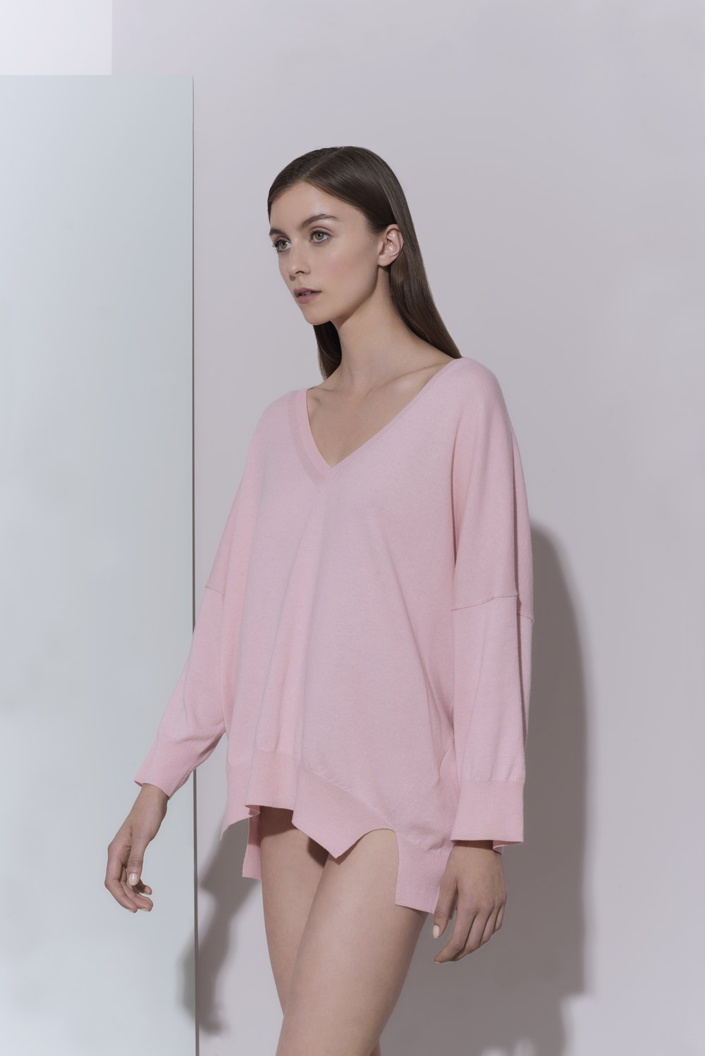 in.no knit Edition 1.0 - pink v neck jumper