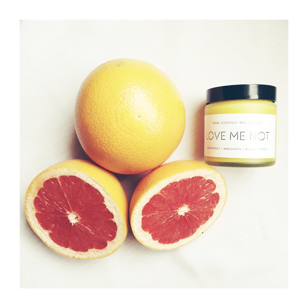 COCONUT WAX GRAPEFRUIT SCENTED CANDLE