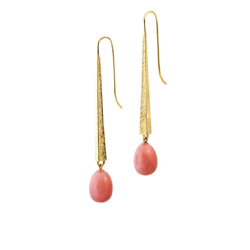 Pink opal (Cuba) and 18k textured yellow gold earrings