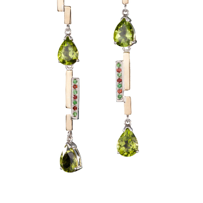 Pear-shaped peridot earrings with emerald and spessartite garnet pavé, set in 18k yellow gold and 925 silver
