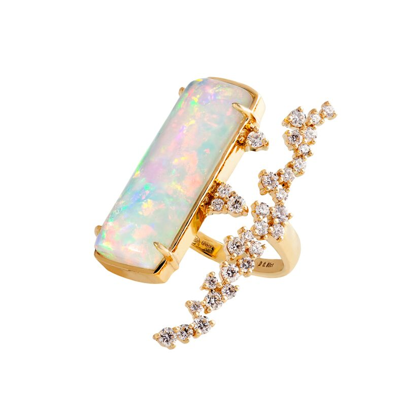 Opal (Ethiopia Wello, 17.8 ct) and a cascade of diamonds, set in 18k yellow gold ring