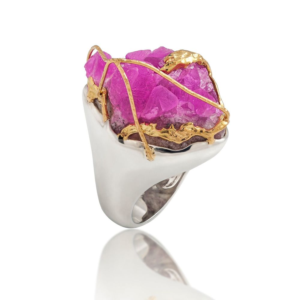 Cobalto calcite (Brazil) crossed with 18k yellow gold, set in white gold-plated silver ring