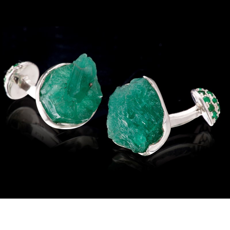 Rough emeralds from Colombia served on 925 silver make for unique cufflinks with round half-sphere backings of emerald pavé