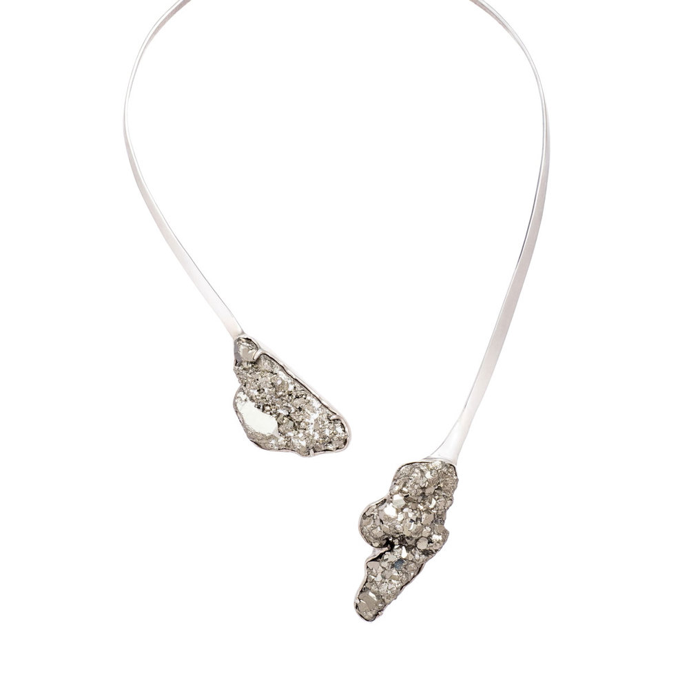 necklace-white-s-2.jpg