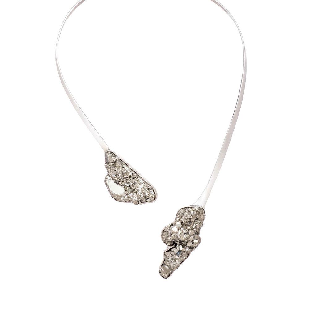 necklace-white-s-2.jpg
