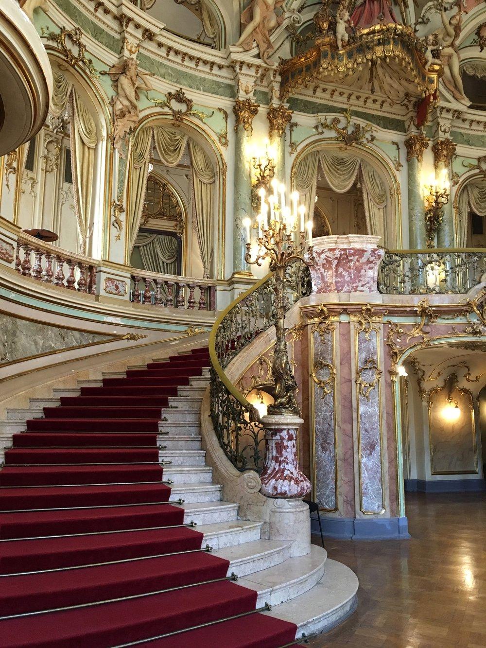 Hessisches Staatstheater Wiesbaden Ein Blick Hinter Die Kulissen