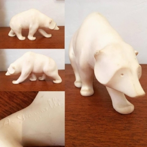 A Gianelli Alabaster Polar Bear