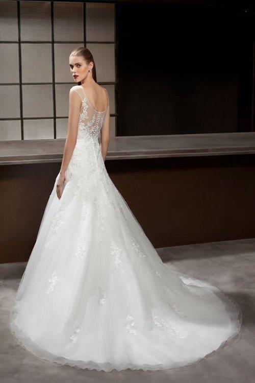 00f9e5fec58e749ea4bcb480738b59cc--wedding-dresses-with-lace-mermaid-wedding-dresses (1).jpg