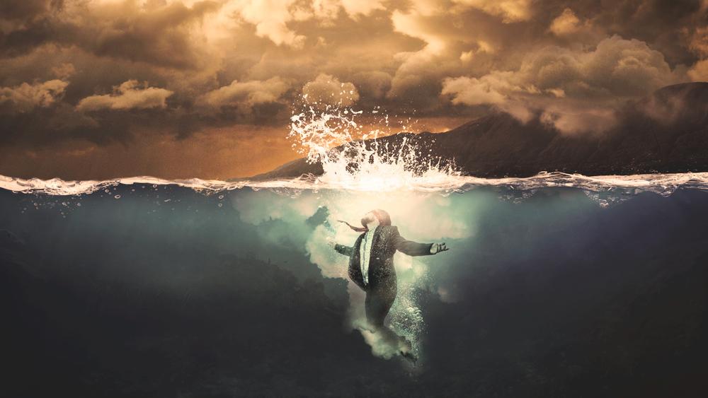 Aaron James Underwater.jpg