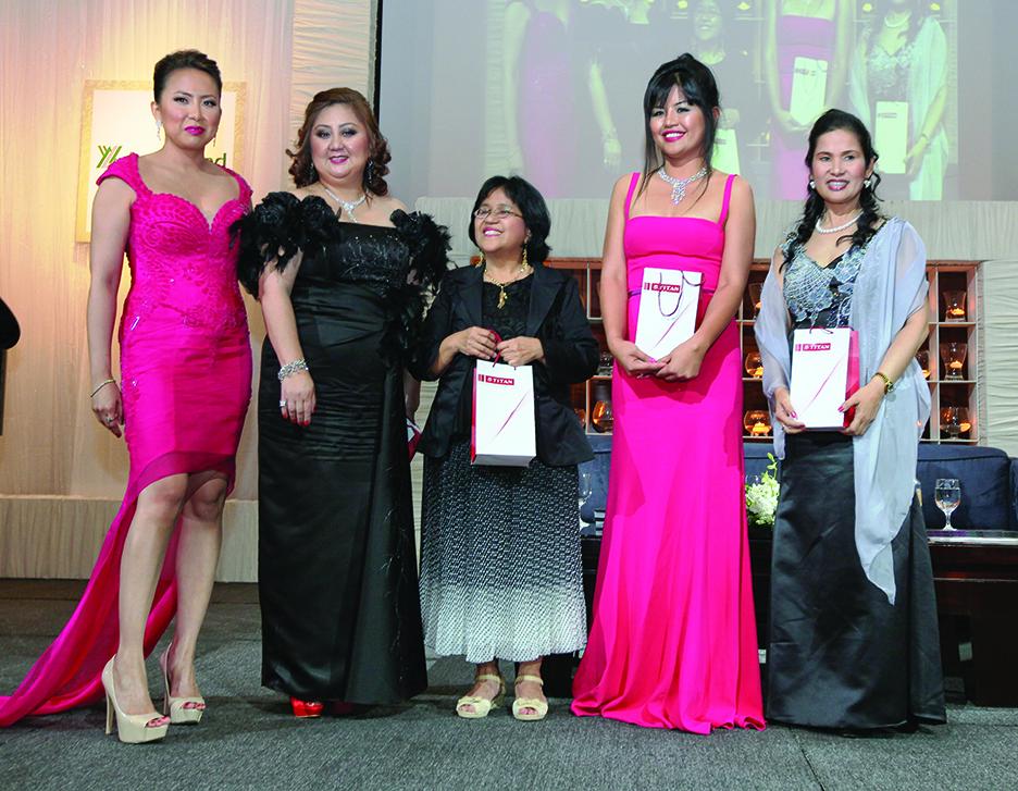 (L-R)+Lalaine+Chu-Benitez+with+WOS+2012+Honorees+–+Rowena+Gungon+Niduaza,+Marietta+Morada,+Engr+Emelyn+Martinez+and+Mary+Jane.jpg