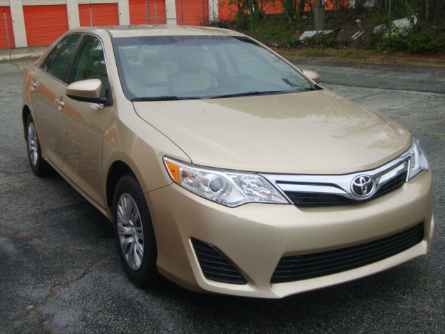 DSC01725_camry-frontangle.jpg