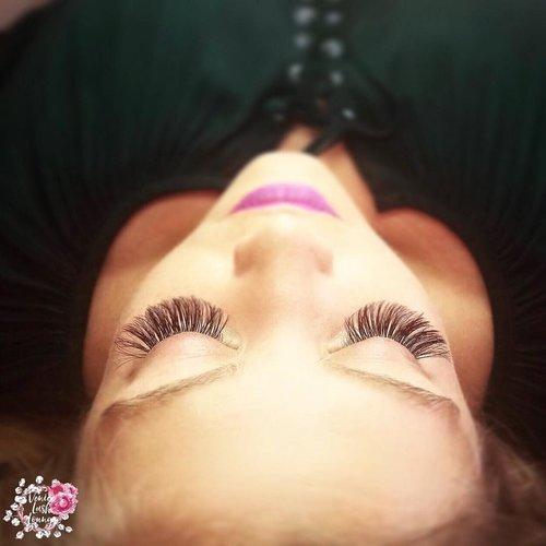 pink lips.jpg