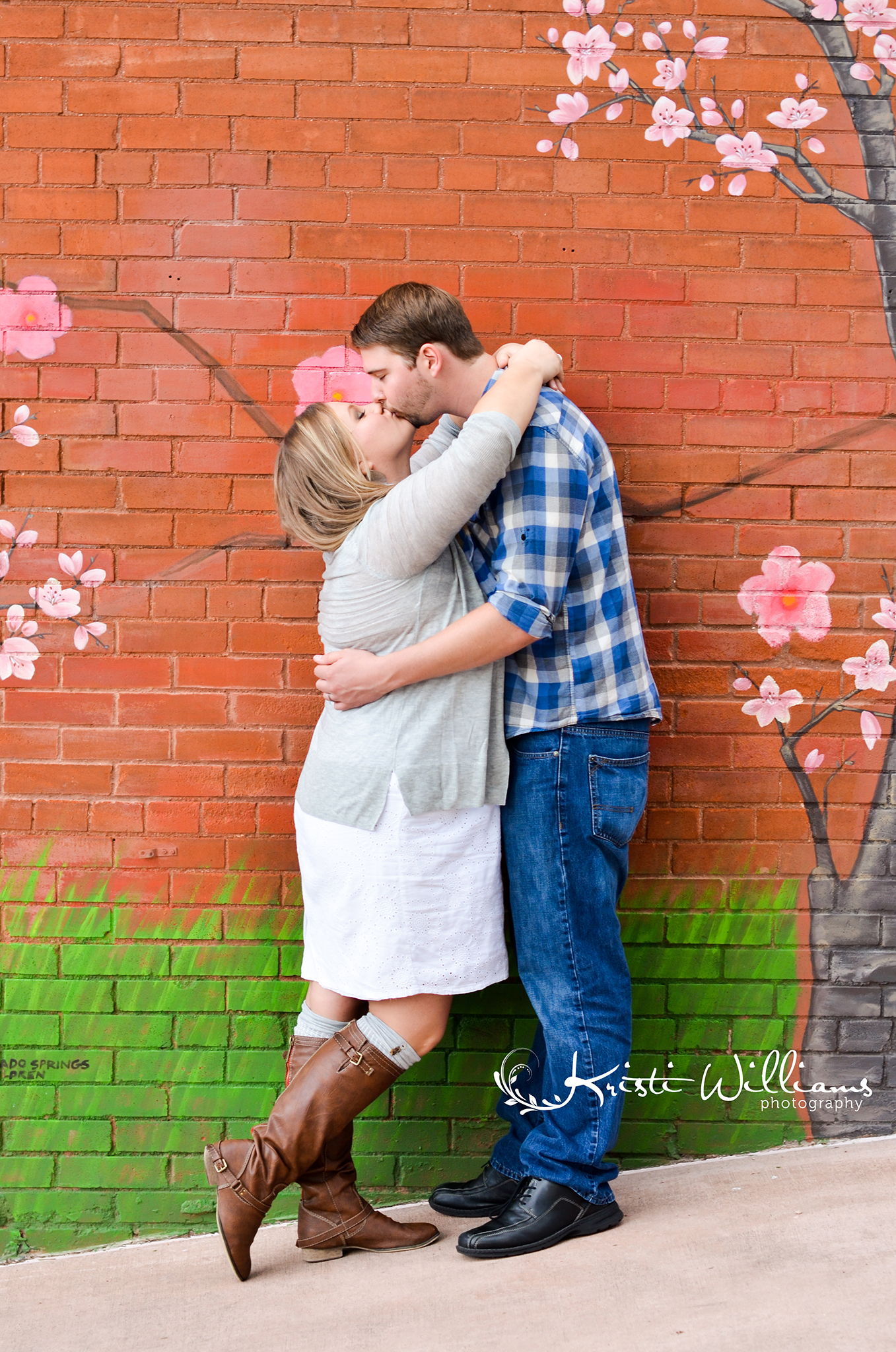 anniversary love story couple photo session red white and blue manitou springs colorado cherry blossoms