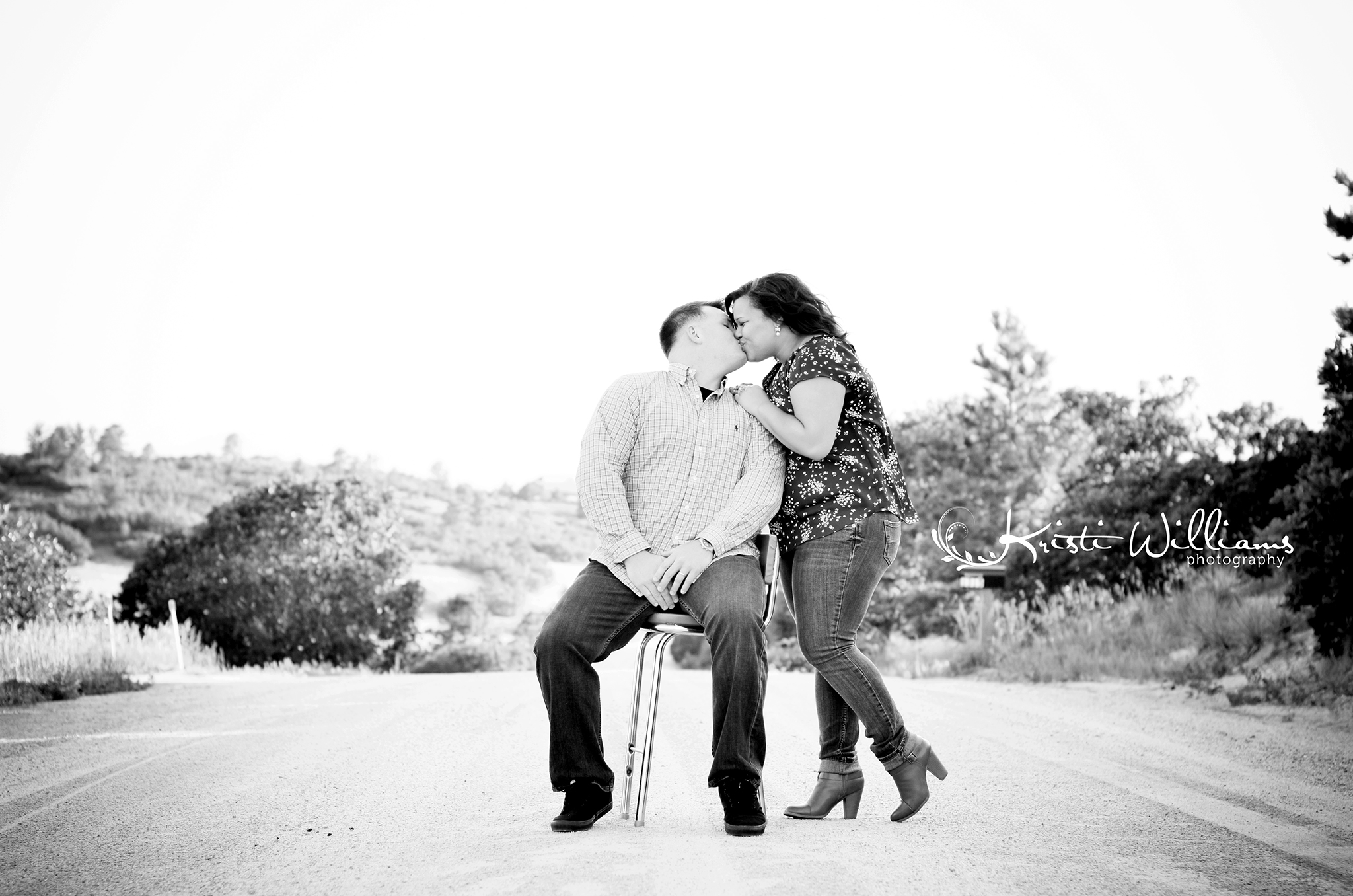 dirt road engagement couple photos colorado springs