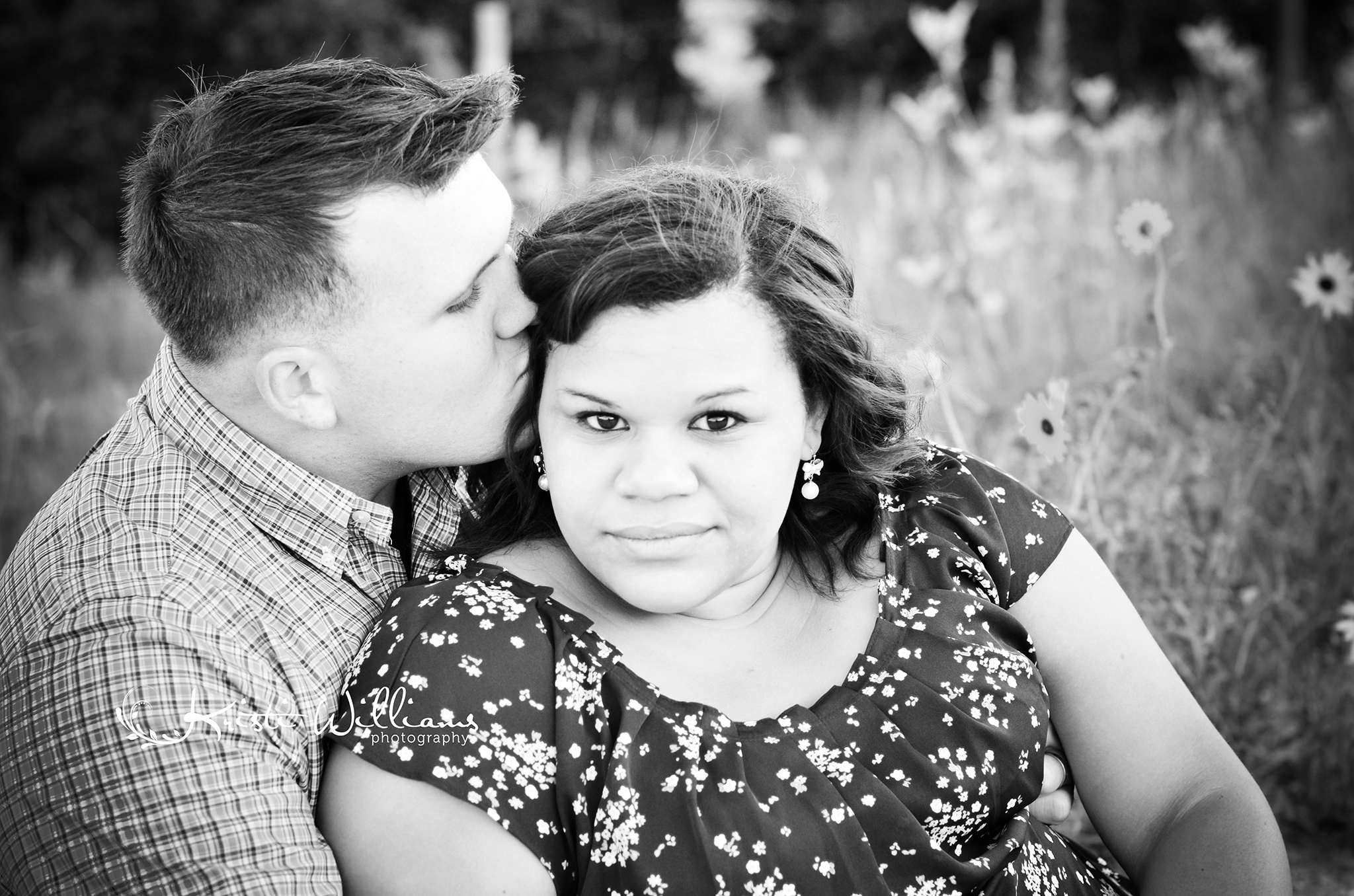 country dirt road engagement couple photos colorado springs