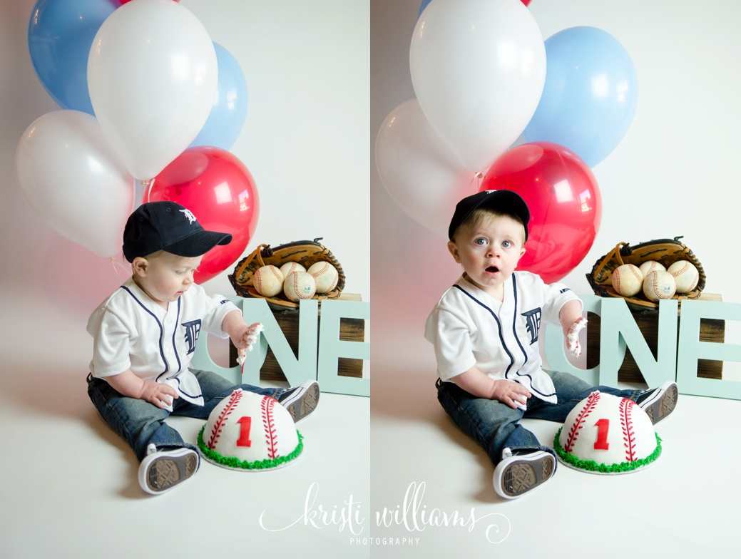 Little slugger baseball photo cake smash and bubble bath splash session by Kristi Williams Photography