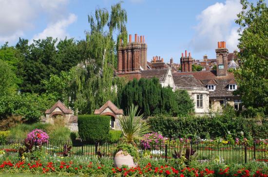 southover-grange-gardens 1.jpg