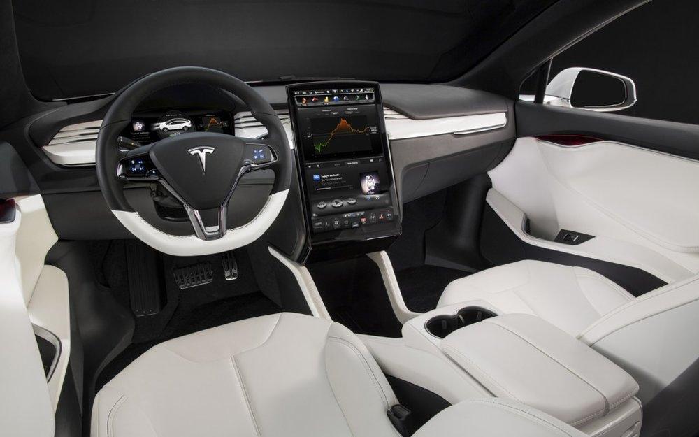 2014-tesla-model-s-interior.jpg