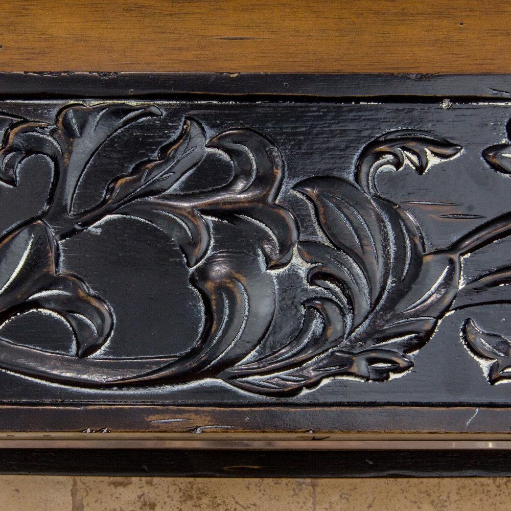 d1f37762035 zline-designer-wood-range-hood-393AR-molding-1.