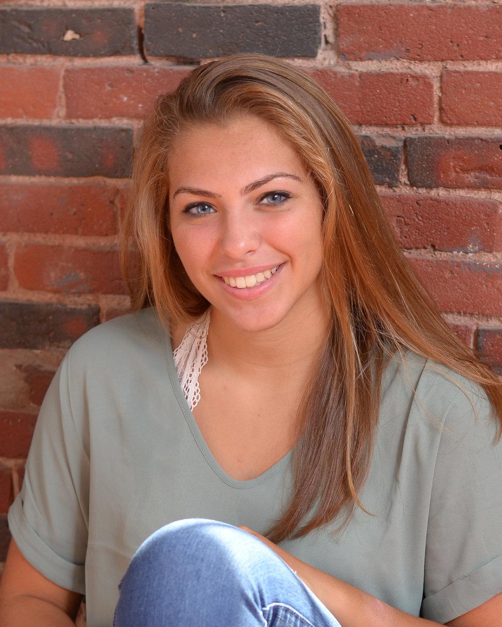 Stephanie 1.jpg