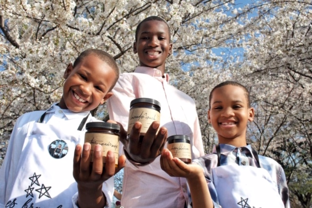 Frères Branchiaux - Freres Branchiaux candles and home fragrances help savvy, eco-conscious consumers who want to beautify their environments with lush and unique fragrances that are non-toxic. Created by youthpreners Collin (13), Ryan (10) & Austin (8) Gill, 10% of their profits are donated to DC homeless shelters.www.freresbranchiaux.com