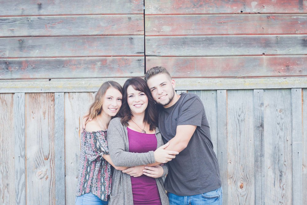Whitney Petretto Photography | Family & Senior Photos | Stace, Marri & Koby | Wilsonville, OR