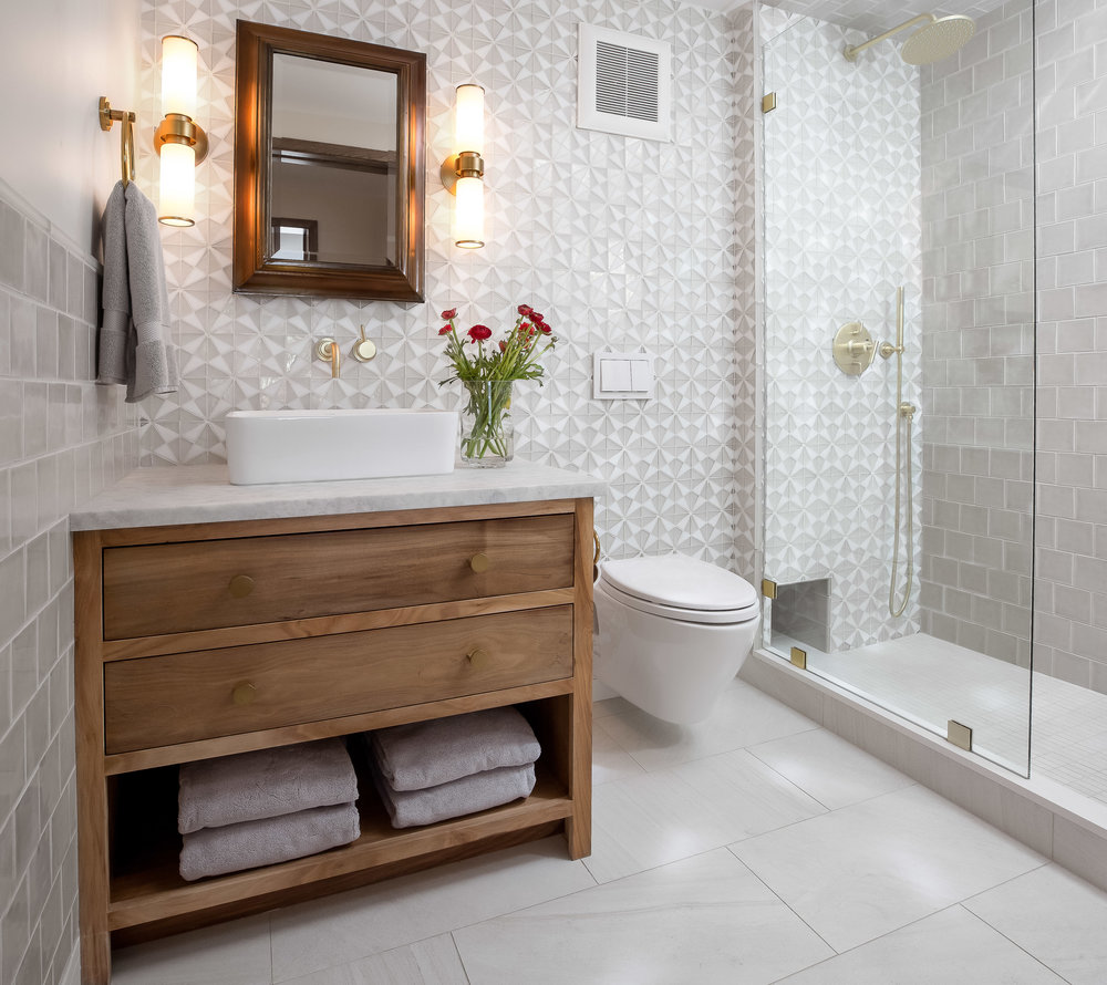 Guest Bath Full 19-0110 Notchbrook-0035.jpg