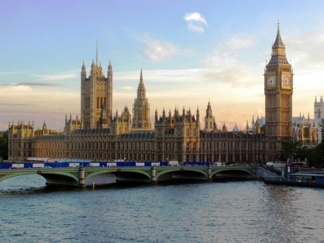 Gothic-palace-of-westminister.jpg