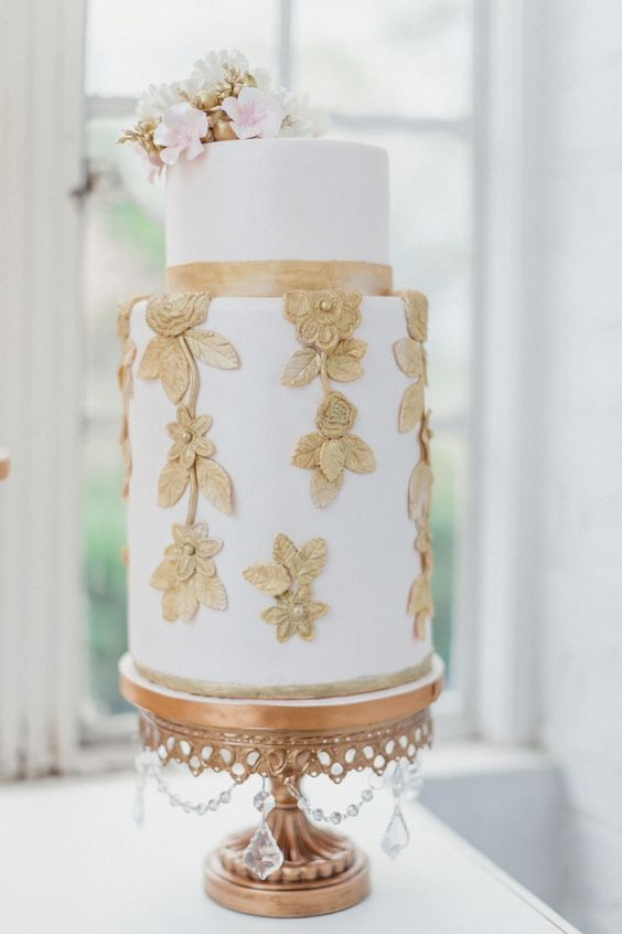 Gold Chandelier Round Cake Stand | Opulent Treasures